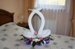 62. Лебеди-композиция с живыми цветами-1500р.