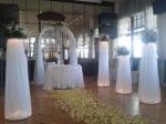 Арка, стол, 6 колонн с композициями-25000р.