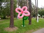 1. Цветок на каркасе из маленьких шариков воздух - от 2500р.(1.8 м)
